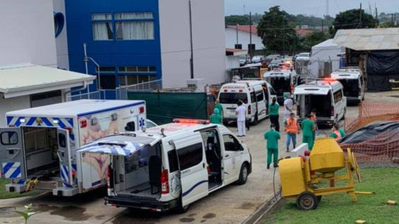 Seis pacientes del hospital de San Carlos fueron trasladados este domingo 16 de mayo hacia la capital, según confirmó la Caja Costarricense de Seguro Social (Caja).
