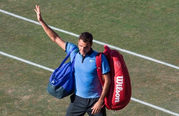 Roger Federer se despidió del público tras su derrota en Alemania.