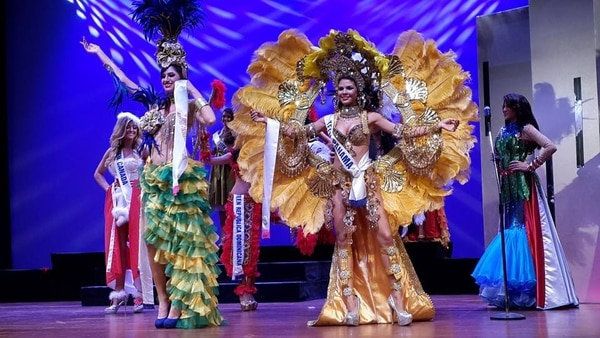 Esta noche, 16 candidatas se disputan la corona de Miss Teen Internacional.