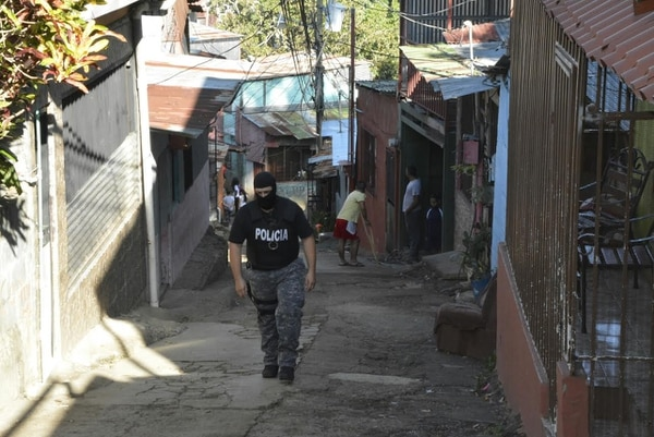 OIJ realizó la mañana de este viernes 11 allanamientos en Infiernillo y el sector del Erizo en Alajuela, por las balaceras que se presentaron recientemente en la zona.