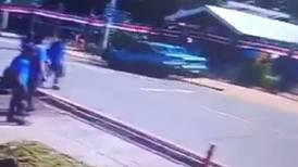 Atropello múltiple frente a colegio de Mercedes Norte de Heredia deja seis menores heridos