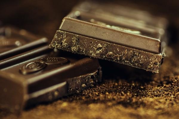 Recuerde que el chocolate que debe consumir es el del oscuro y amargo. Sin azúcar.