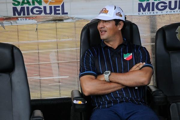 El último equipo que dirigió Vinicio Alvarado en la máxima categoría fue al Carmelita. Conjunto al que salvó del descenso.