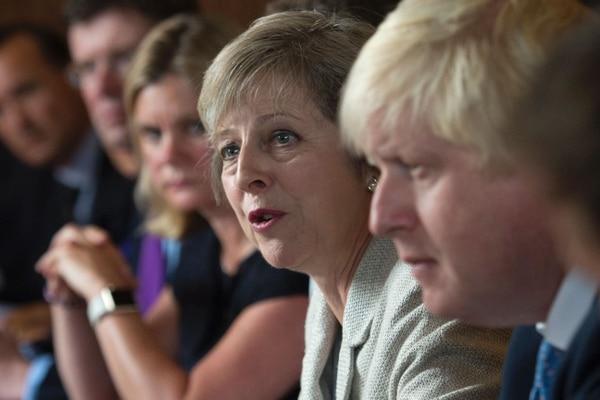 La primera ministra salió al paso de los rumores sobre disensiones en su gobierno sobre la ruptura con el bloque europeo