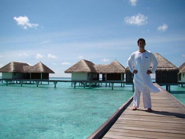 Carlos Calvo Rodríguez en una visita a Maldivas.