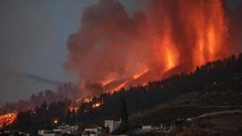 Evacuación masiva en isla española por la erupción del volcán Cumbre Vieja