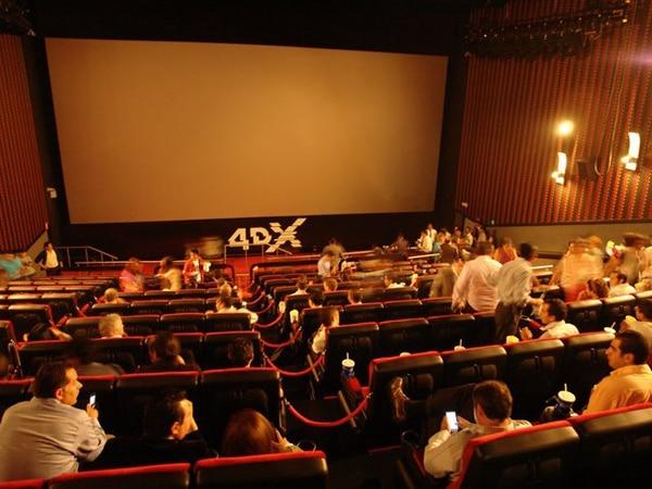 La sala 4DX, de Cinépolis, así como la IMAX, de NOVA Cinemas, son ejemplo de innovaciones tecnológicas destinadas a atraer clientes y a mejorar la experiencia en las salas. Archivo