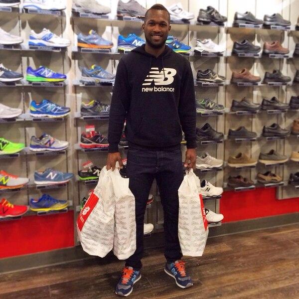 Kendall Waston es el primer jugador tico en ser patrocinado por la nueva indumentaria de la Sele, New Balance.
