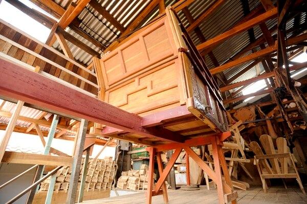 En la fábrica de Eloy Alfaro se fabrican las carretas en todas sus partes. Este es el bastidor que va sobre las dos ruedas.   LUIS NAVARRO.