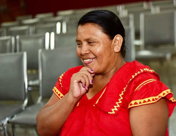 Mujeres ngöbes llevarán luz a comunidades indígenas