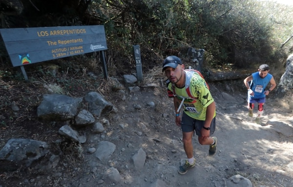 22/02/2019 Personajes que compiten en la carrera Chirripó, son 34 kilómetros de alta montaña. fotos Alonso Tenorio