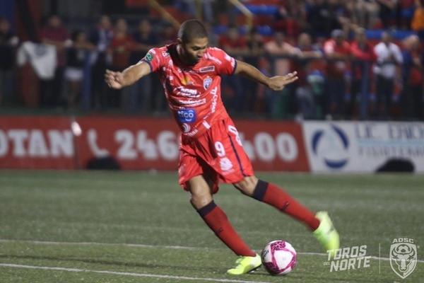 Álvaro Saborío llegó a 10 goles en el Apertura 2019. Foto Prensa San Carlos