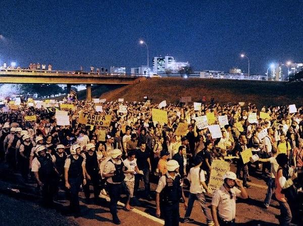 Las manifestaciones se han convocado en su mayoría, mediante redes sociales. | AFP.