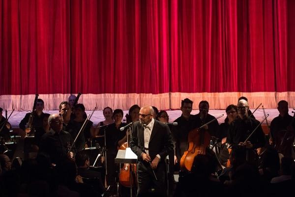 Batuta. Marzio Conti dirige a la Orquesta Sinfónica Nacional. Cristian Araya.