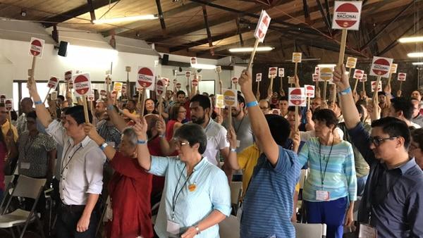La Asamblea Nacional del PAC aprobó, por unanimidad, declarar non grato a Víctor Morales Zapata.