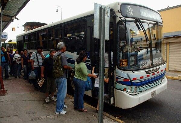 Tarifa extraordinaria de servicios de buses se fijará en el mes de julio.