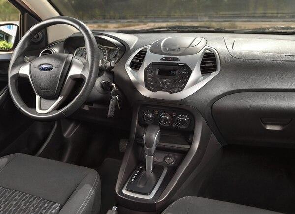 La nueva versión cuenta con una transmisión manual de cinco velocidades o una automática SelectShift de seis velocidades con modo manual. Foto: cortesía Ford.
