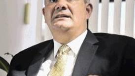 Banhvi investiga a gerente por girar  fondos a cooperativa jefeada por   hermano
