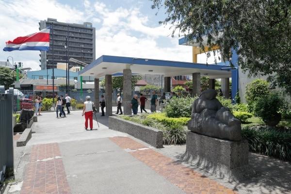 Edificio central de la Caja Costarricense de Seguro Social. Foto Jeffrey Zamora
