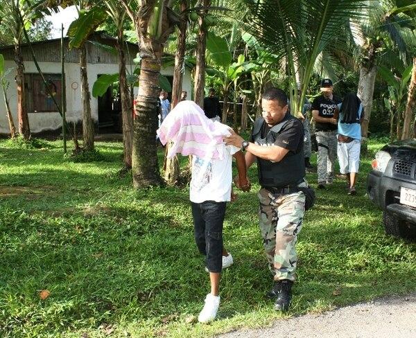 Momentos en que varios detenidos eran trasladados a la Fiscalía. Foto: Reiner Montero.