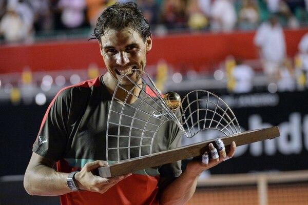 Rafael Nadal derrotó al ucraniano Aleksandr Dolgopolov y se coronó campeón del abierto de Rio de Janeiro.