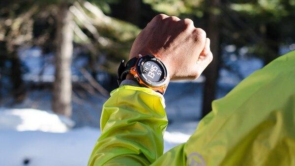 Esta versión del smartwatch Casio ofrece la posibilidad de geolocalización y mapas a color.