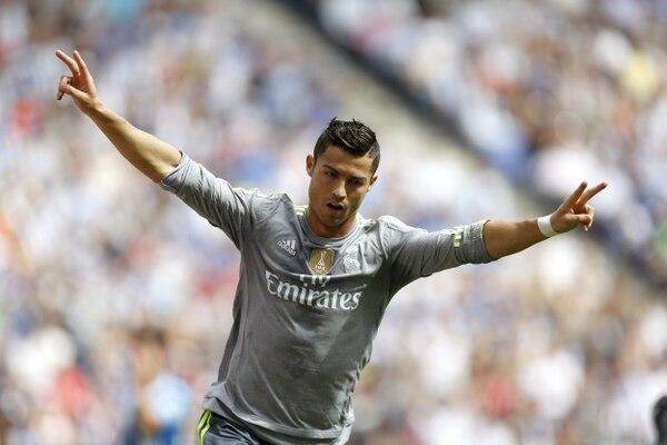 Cristiano Ronaldo festeja uno de sus tres goles ante el Espanyol.