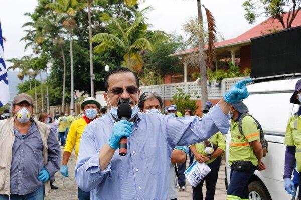 Tan solo dos horas antes de anunciar que la ANEP dejaba ese foro multisectorial, Albino Vargas celebró el inicio del diálogo convocado por el gremio de trabajadores.