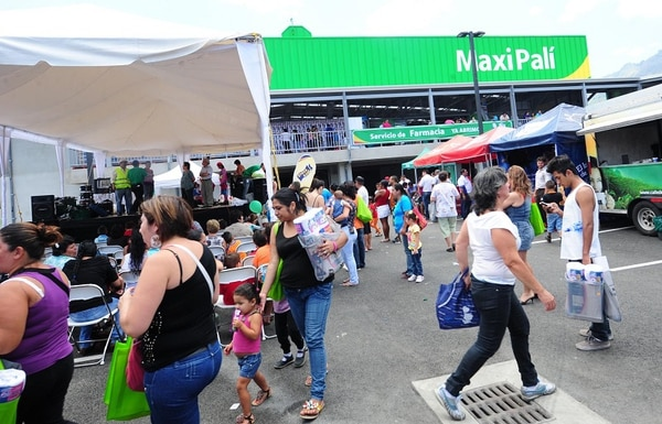 Según los subcontratistas, los empleos en Palí y Maxipalí representan alrededor del 60% de sus servicios a la cadena Walmart.