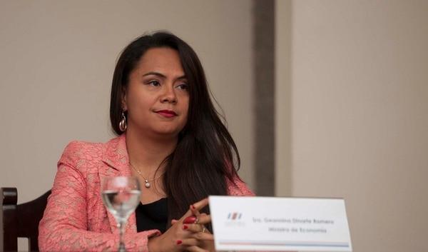 Giannina Dinarte Romero, jerarca de Economía, Industria y Comercio.