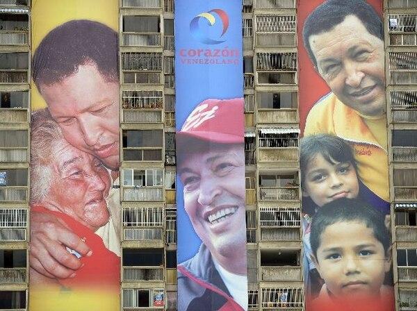 Propaganda electoral de Hugo Chávez en un edificio en Caracas. | AFP