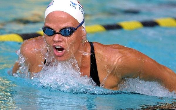 La experimentada nadadora Claudia Poll es una de las candidatas al premio que lleva su nombre que se otorgará al atleta destacado del 2010. | ARCHIVO