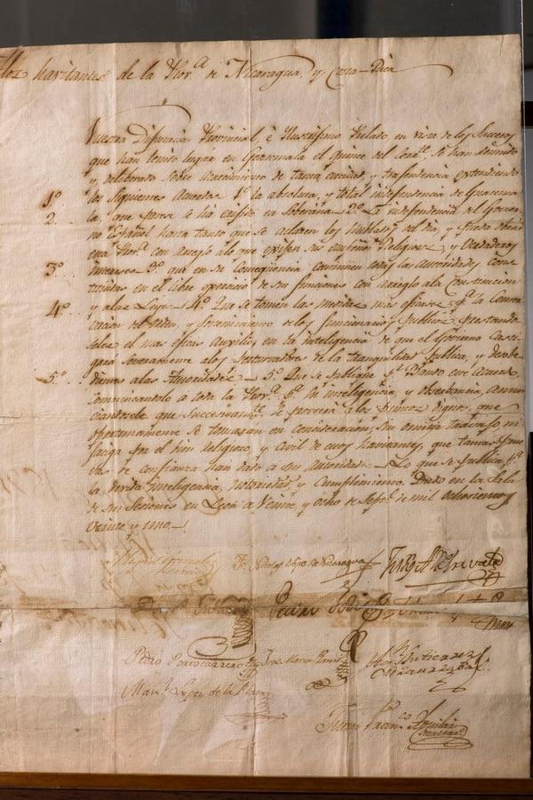 El acta de los Nublados del Día se redactó en la Intendencia de León, en 1821. El documento se mantiene casi intacto gracias a los cuidados del Archivo Nacional. Foto: Alejandro Gamboa.