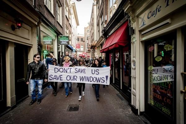 Unas 115 de las 500 vitrinas del barrio ya han sido cerradas con anterioridad.