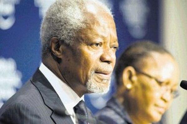 Kofi Annan presentó ayer, en una conferencia de prensa, el informe del Panel para el Progreso de África.   AFP