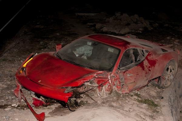 Así quedó el Ferrari de Arturo Vidal tras el accidente.