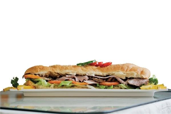 El sándwich lápiz de la soda El Parque tiene un gran tamaño. | MARCELA BERTOZZI