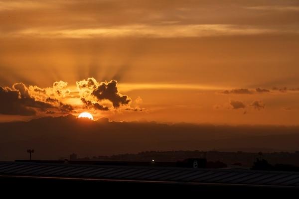 05/07/2019, San José, fotografías para ver el efecto que causa el polvo del Sahara en el cielo y el ambiente en San José. Fotografía José Cordero Morales