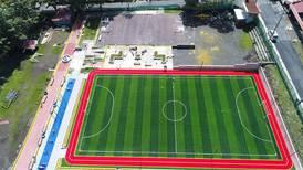 Corredores no se confundan: 'pista de atletismo' en Santa Ana es para caminar