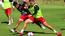 (Video) Brandon Aguilera hizo golazo desde media cancha como capitán de la U-20 de Alajuelense