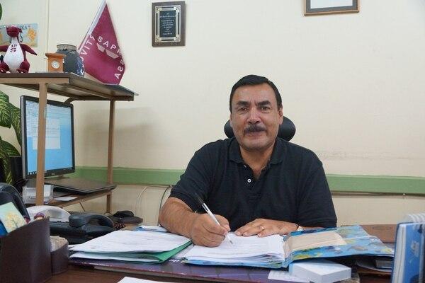 Mariano Barrantes tiene 42 años de trabajar para el Ministerio de Justicia y Paz.