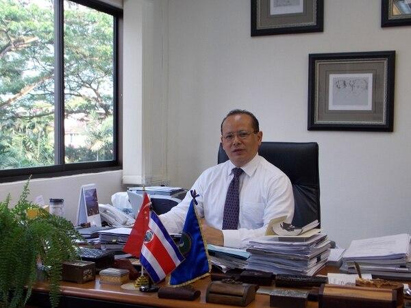 Jairo Hernández, embajador de Costa Rica en Singapur, conversó con La Nación sobre la forma en que Singapur brincó del tercer al primer mundo.