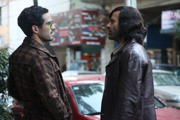Alfonso Herrera (derecha) experimenta con nuevos papeles para la televisión. Anteriormente lo vimos en 'Sens8' (Netflix) y 'El Capo' 3.Foto: TNT para Teleguía.