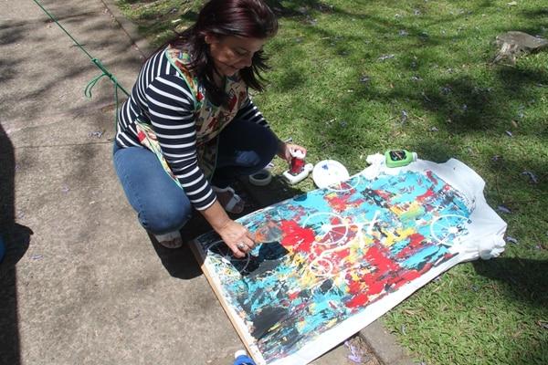 Día Mundial del Arte se celebra con más de 100 gabachas intervenidas