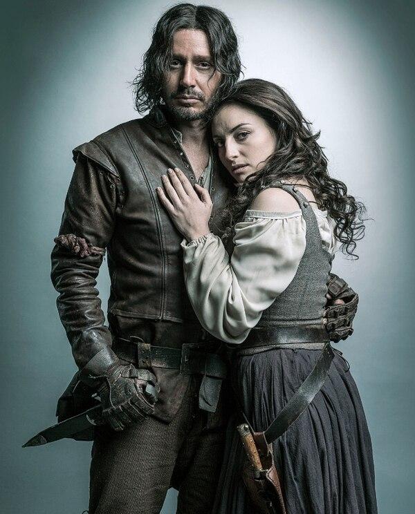 Benjamín Vicuña y Marimar Vega protagonizan la serie 'Sitiados'.