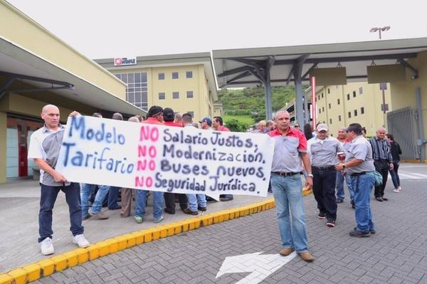 Manifestación en Aresep.