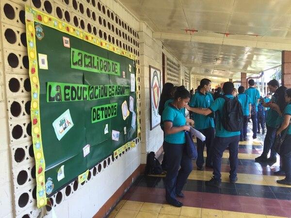 Bachillerato reta a 46.000 estudiantes. La prueba de Gramática y Literatura es la primera de seis exámenes que deben superar los estudiantes para graduarse como bachilleres en Educación Diversificada.