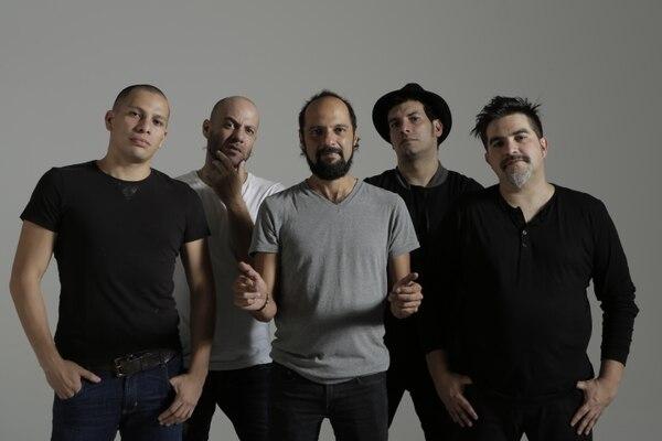 Bohemia Suburbana, desde Guatemala, están celebrando sus 25 años de carrera en la música. Foto cortesía Chepe Rock.