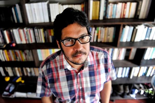 Luis Chaves regresa este 2020 con un nuevo libro. El poeta y cronista siempre es un autor al que se le debe prestar atención. Foto: Melissa Fernández Silva