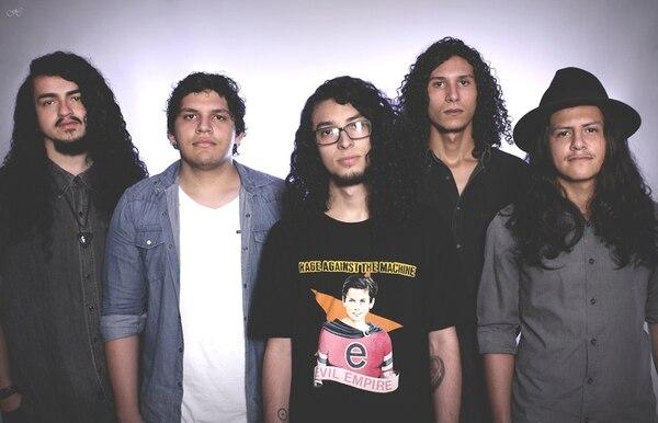 Banda mezcla rock progresivo y stoner rock . Bonuska para LN